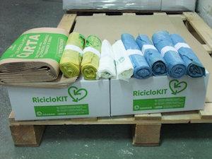 Al via la distribuzione dei kit di sacchetti per la differenziata
