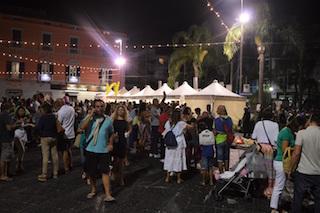 """Centinaia di persone a Piano di Sorrento per """"Pizzafest & Shopping"""""""