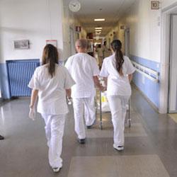Non sono iscritti all'Ordine, 149 infermieri dell'Asl Napoli 3-Sud rischiano il posto