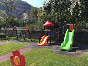 Da domani riapre il parco giochi di Villa Fiorentino