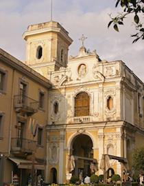 Il Comune restaura un antico dipinto della chiesa del Carmine