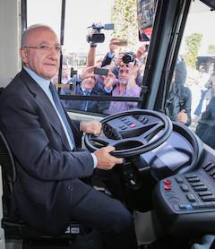 de-luca-bus