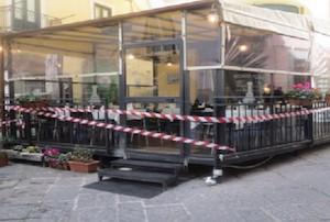 Sequestrata la tenda di un ristorante del centro storico di Sorrento