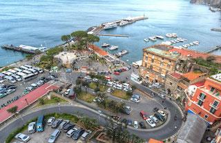 Il Comune ordina la chiusura della biglietteria Alilauro di Marina Piccola