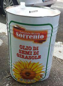 Altro che olio cinese, guardate a Roma cosa vendono