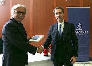 Gli agenti marittimi premiano il giornalista Antonino Pane – video –