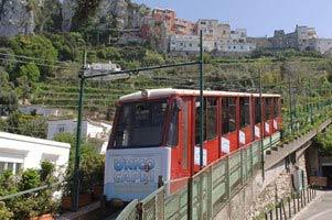 Funicolare e bus di Capri, scattano gli aumenti dei ticket