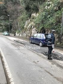 Metanizzazione, in via Capo salta l'asfalto