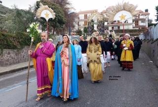 Le Pacchianelle, omaggiano San Francesco di Paola – foto –