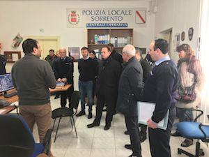 Nuove ricetrasmittenti per la polizia municipale di Sorrento