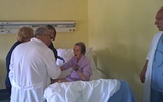 Operata al femore a 104 anni, dimessa dopo 4 giorni