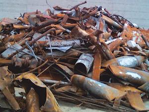 Operatori rubavano ferro dal centro di raccolta, a processo
