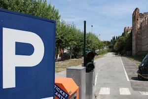 Il sindaco autorizza l'apertura dei parcheggi estivi