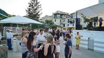 A Villa Fiorentino tre giorni con vino, champagne, prodotti tipici e divertimento