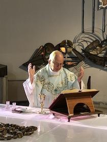 Al Capo di Sorrento festa per il 60° di sacerdozio di don Antonino Persico