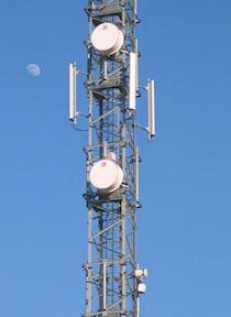 Antenna Telecom abusiva, il Comune ordina lo stop ai lavori