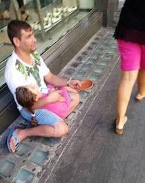 """Bimba rom drogata per l'elemosina"", denuncia choc di un turista"