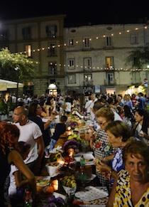Pizzafest&Shopping fa il pienone, ricavato in beneficenza – foto –