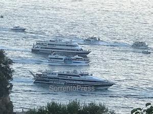 Si è conclusa la processione in mare della Madonna del Soccorso – foto –