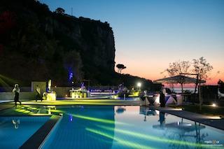 Mercoledì si inaugura la nuova terrazza con 6 piscine de Le Axidie
