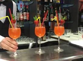 Campania verso l'arancione mentre il governo prepara le riaperture