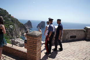 Pusher di Capri arrestato dai carabinieri