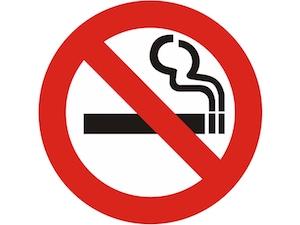La Regione Campania approva norme più restrittive per il fumo