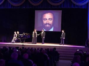 Grande successo a Sorrento per l'omaggio a Pavarotti – video-