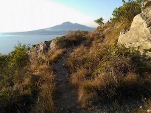 Il trekking scopre Il sentiero di Mario a Vico Equense