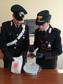 Corriere della droga arrestato a Capri con 55 grammi di eroina – foto –