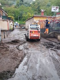 Maltempo, a Vico Equense strade invase dal fango e scuole chiuse
