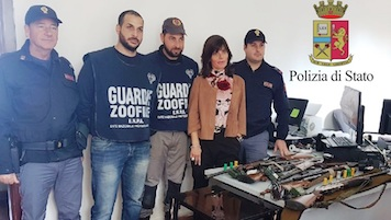 Cacciatori denunciati a Capri, sequestrati fucili e richiami – foto –