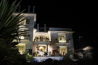 A Villa Fiorentino arriva la Befana mentre chiude la mostra dei presepi
