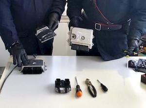 Arrestate 15 persone per furti di auto tra Napoli e provincia