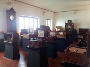 """I carillon della """"Collezione Salierno"""" in mostra a Villa Fiorentino"""