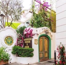 Arriva la primavera e riapre la Taverna Anema e Core di Capri