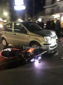 Incidente in via degli Aranci, centauro in ospedale