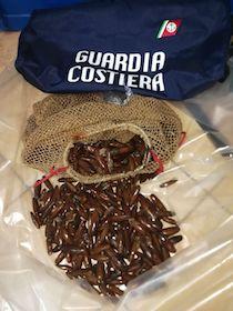 Denunciati 2 pescatori di frodo pizzicati con 20 chili di datteri