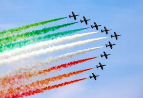 Oggi pomeriggio le frecce tricolori sorvolano Napoli