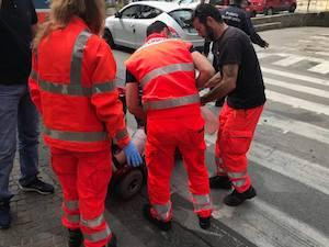 Buche killer a Sorrento, ferita donna in motocarrozzina