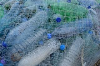 La plastica in mare? La recuperano i pescatori