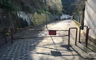 Contro vandali e abbandono di rifiuti spiagge chiuse di notte a Vico Equense