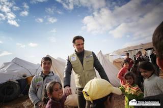 Per Beppe Convertini nuovo film con nel cuore i bambini siriani