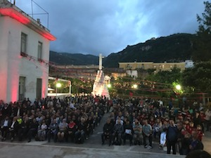Folla di tifosi a Villa Fiorentino per la festa-promozione del Sorrento – foto e video –