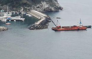 """Ultimati i lavori di """"rifioritura"""" della scogliera di Marina della Lobra"""