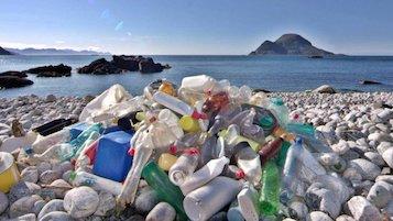 Il Comune di Capri vieta la plastica usa e getta