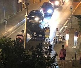 Auto contro scooter, ennesimo incidente sul corso Italia