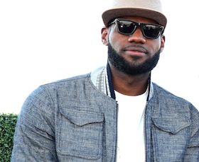 La superstar del basket Nba LeBron James si rilassa su Li Galli