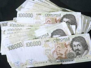 Trova 10milioni di lire in casa, casalinga di Vico Equense ottiene il cambio in euro