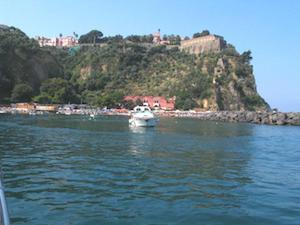 Spiagge libere di Vico Equense solo per i residenti, il Tar (per ora) dà ragione al Comune